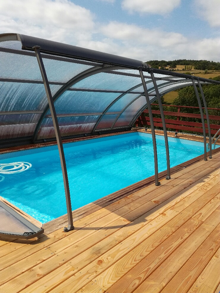 Abris piscine bois interesting abris piscine bois with for Piscine en bois d occasion